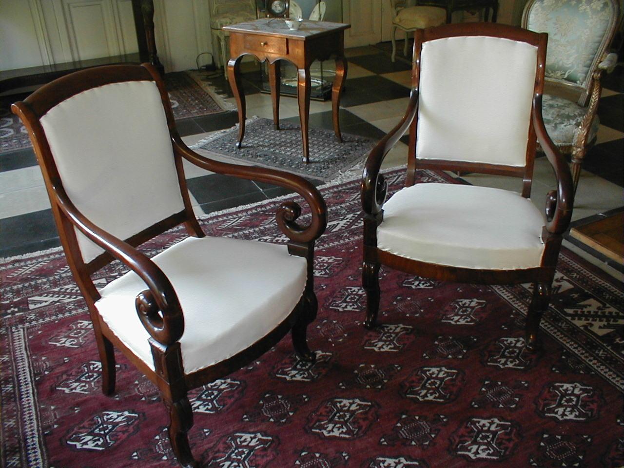 M008a paire de fauteuils restauration vendue antiquit s - Cours de restauration de fauteuil ...
